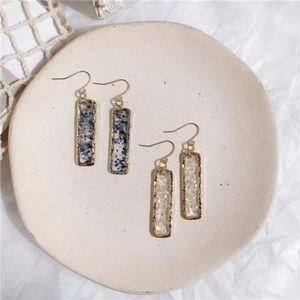 ❇️2 for 32$❇️Blue or White Glitter Fleck Earrings